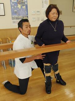 下肢装具装着時訓練